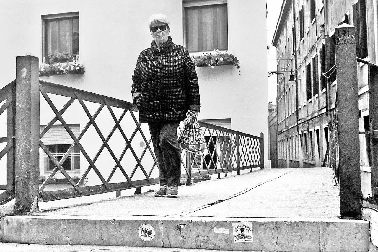 © ΓΙΑΝΝΗΣ ΟΙΚΟΝΟΜΟΥ. Η Βενετία είναι μία αληθινή πόλη.