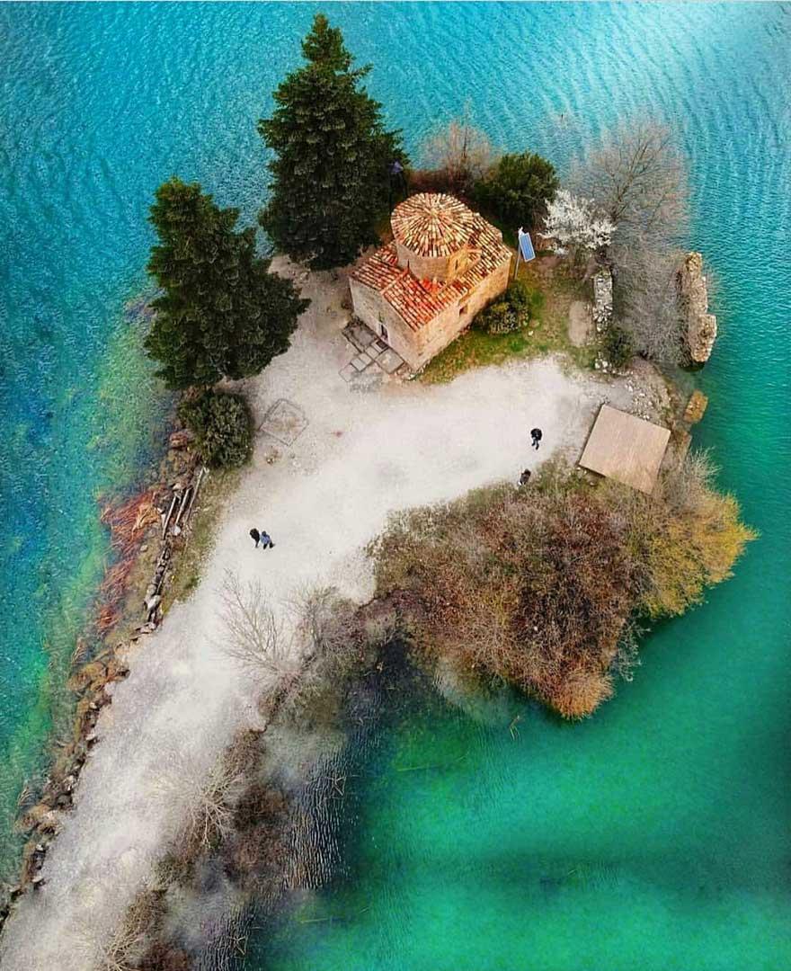 Άγιος Φανούριος, Λίμνη Φενεού