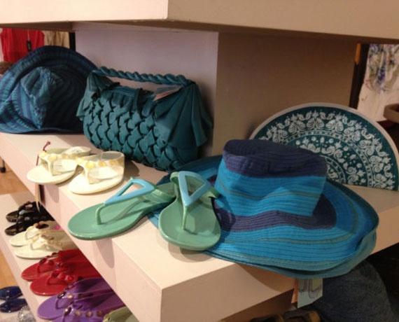 761b5259dbfd Στο bazaar που διοργανώνει η εισαγωγική εταιρία Yaco Clothes θα βρείτε επώνυμα  ρούχα και αξεσουάρ από τη Γαλλία