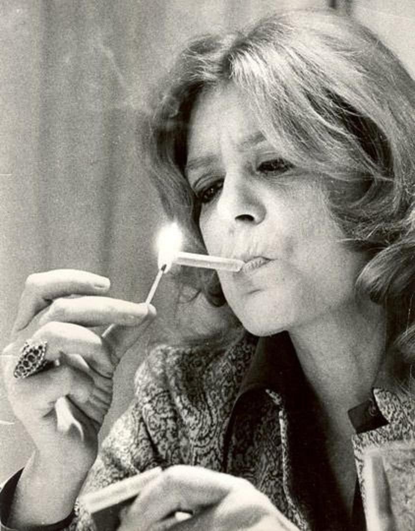 Η Μελίνα και το τσιγάρο