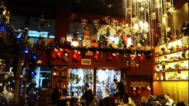 3 καφέ της Αθήνας που ζουν στη δικιά τους παραμυθοχώρα  18ce997439c