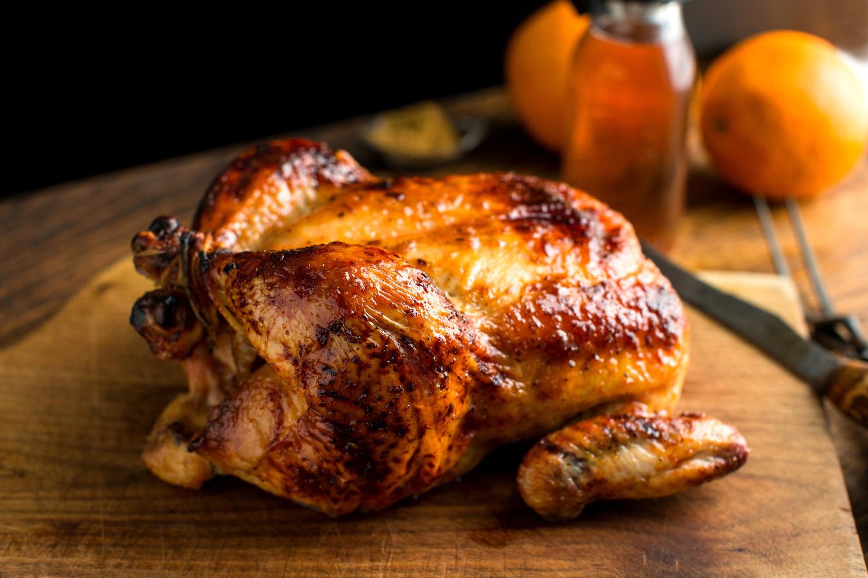 Ο ιδανικότερος τρόπος να φάμε το κοτόπουλο την επόμενη μέρα είναι κρύο, μέσα σε μια σαλάτα ή σε σάντουιτς