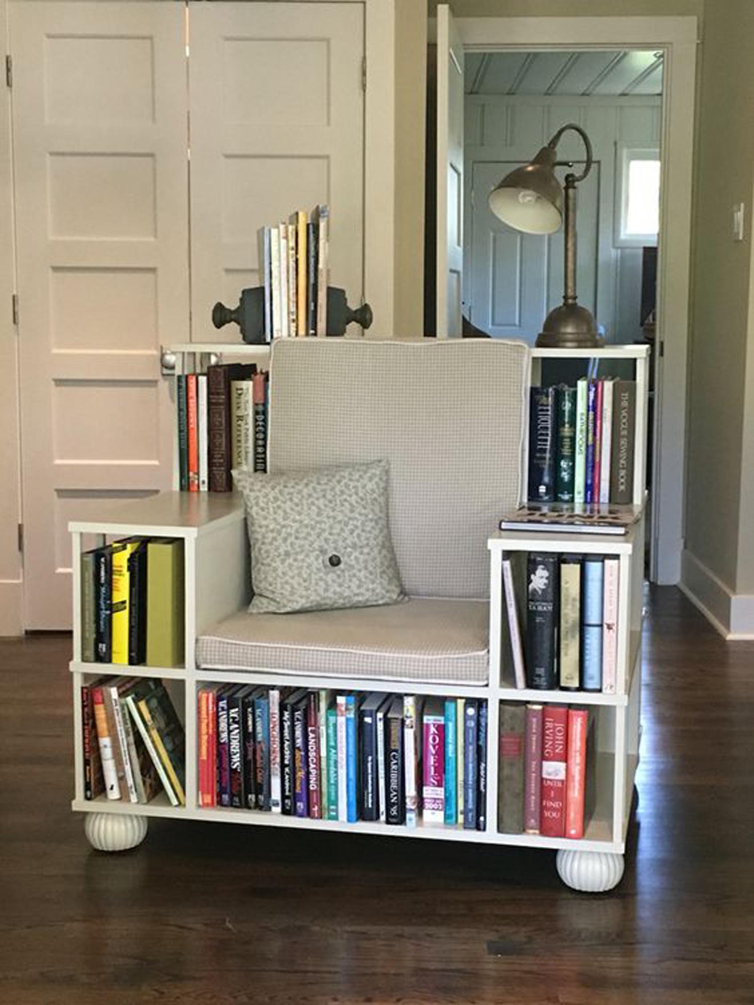 Βιβλιοθήκη και πολυθρόνα, δύο σε ένα