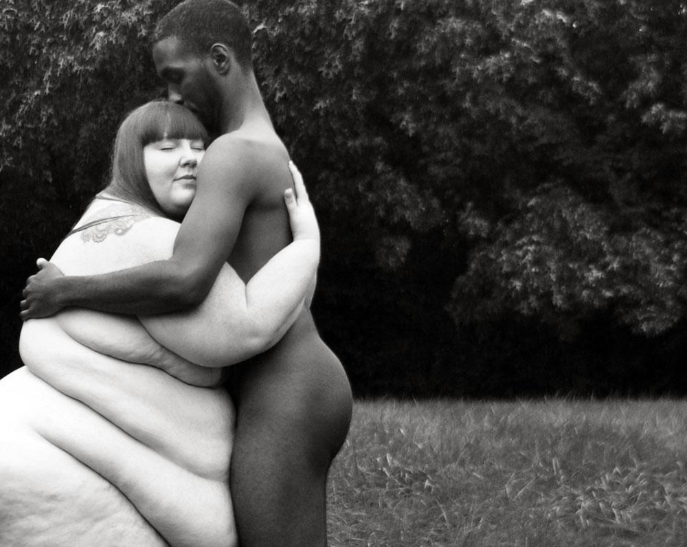 τεράστιες μαύρες γυναίκες γυμνό μέσα στο μουνί φωτογραφία