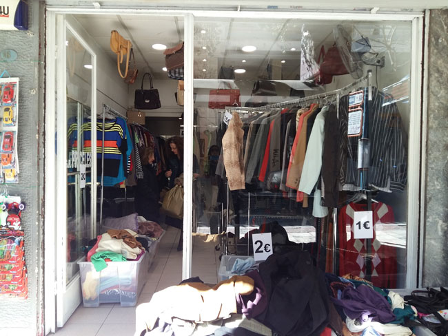 f741ba6cf82 Το πιο «τσάμπα» μαγαζί σούπερ second hand ρούχων | Athens Voice
