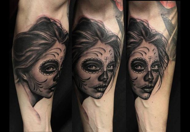 86d858ef2 Το στούντιο δε σηκώνει πλάκες, και εκεί που μόνο οι καλύτεροι ξεχωρίζουν, η  Όλγα – Μαρία δε σταματά να παράγει τατουάζ από τα οποία δεν λείπει η  φρεσκάδα, ...