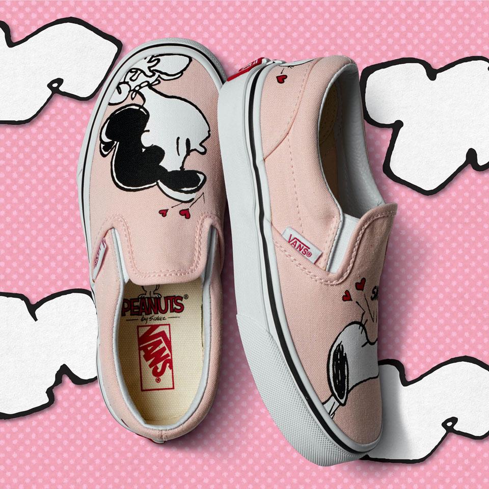 1e8805c90b8 Η σειρά VansxPeanuts απευθύνεται σε άντρες, γυναίκες και παιδιά με πολλές  επιλογές σε ρούχα, παπούτσια και αξεσουάρ. Κατά μήκος της κατηγορίας  Classics η ...