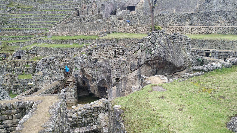 Machu Picchu: Το συγκρότημα του Κόνδορα με τον λαξευμένο κόνδορα που υπάρχει πάνω σε έναν μονόλιθο