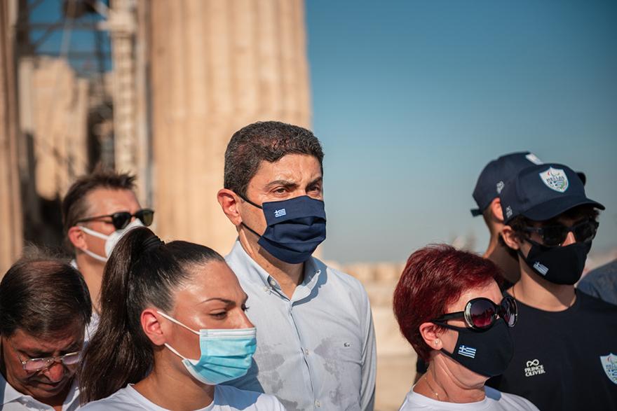 Ο Υφυπουργός Αθλητισμού, Λευτέρης Αυγενάκης υποδέχθηκε την Παραολυμπιακή Ομάδα στην Ακρόπολη