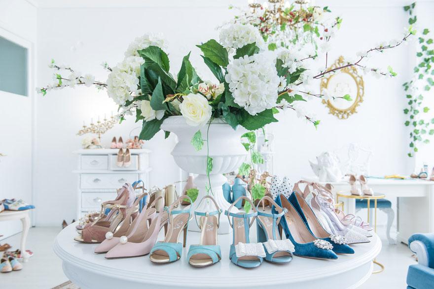 f0f5ac836d0 Άλλωστε, όπως λένε, το σλόγκαν τους είναι: παπούτσια άνετα, ποιοτικά και  καλαίσθητα για μικρές και μεγάλες πριγκίπισσες!