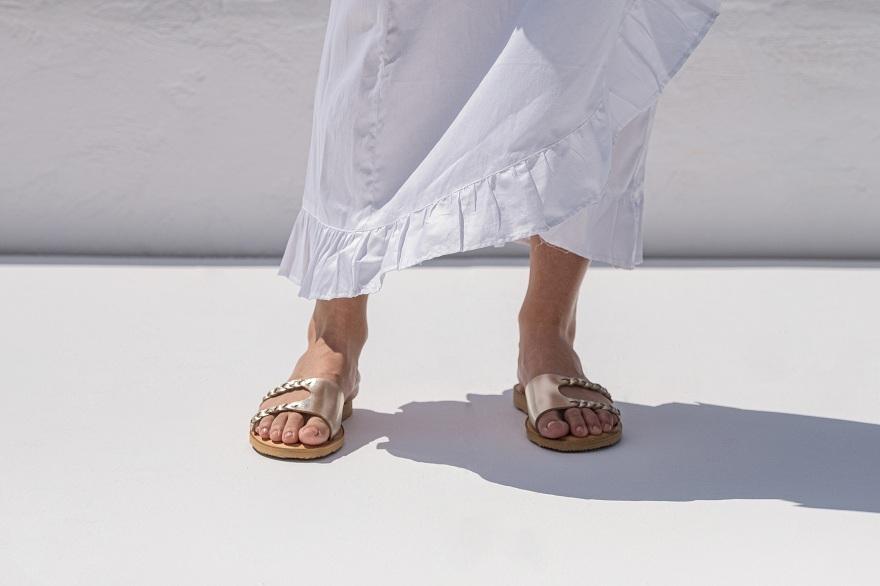Traveller's Shoes