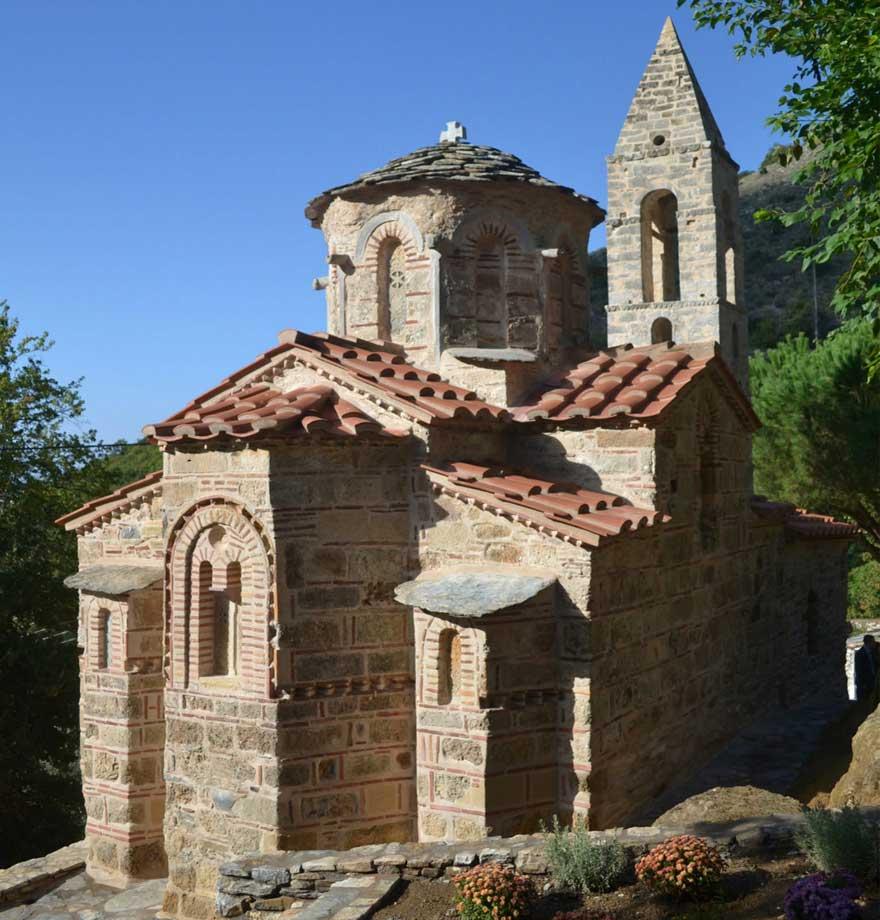 Εκκλησία Αγ. Πέτρου, Καστάνια