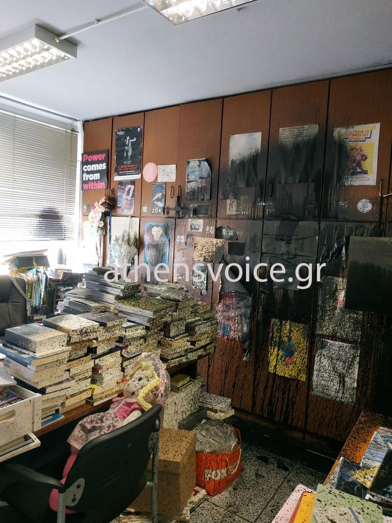 Επίθεση στα γραφεία της Athens Voice