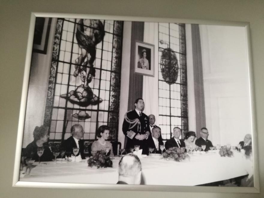 Φωτογραφία που βρίσκεται στην αίθουσα του ΕΒΕΑ
