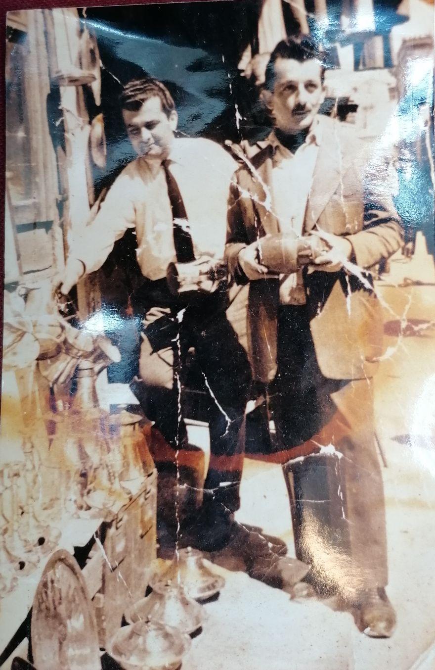ο Γεώργιος Κατσαρός, ένας από τους πρώτους παλαιοπώλεις της πλατείας Αβησσυνίας