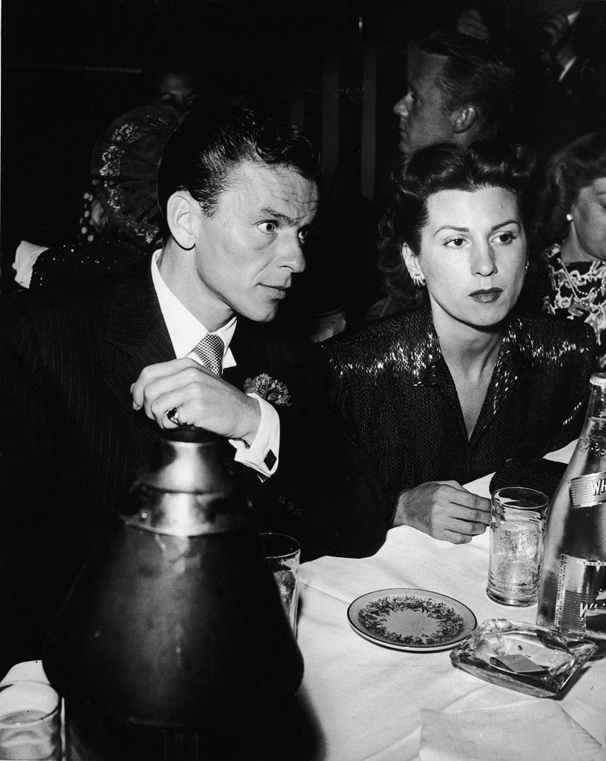 Ο Frank Sinatra με την πρώτη του σύζυγο Nancy Barbato