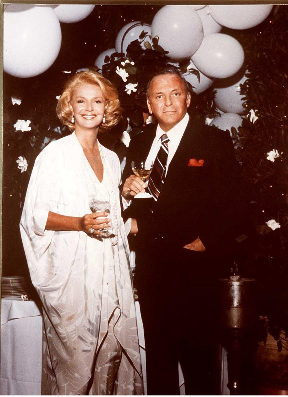 Ο Frank Sinatra με την τέταρτη σύζυγό του, Barbara Marx