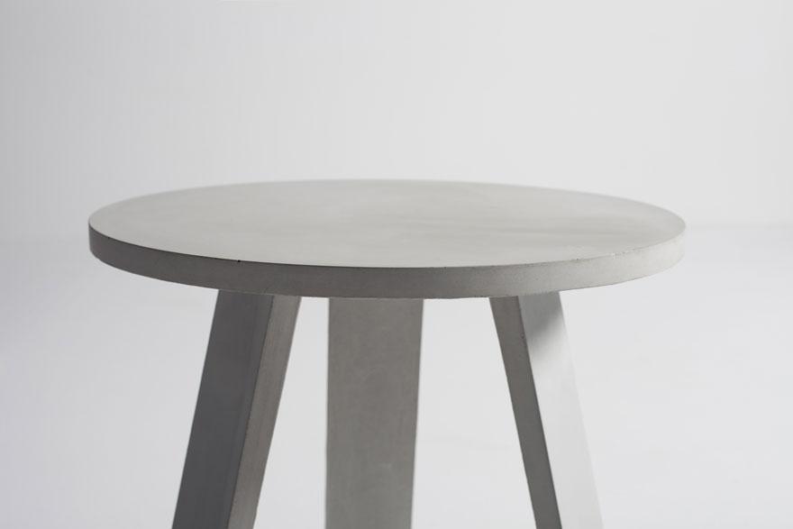 Goliath, side table για την Α31 Objects/ Φωτογραφία: Γιάννης Χατζηασλάνης