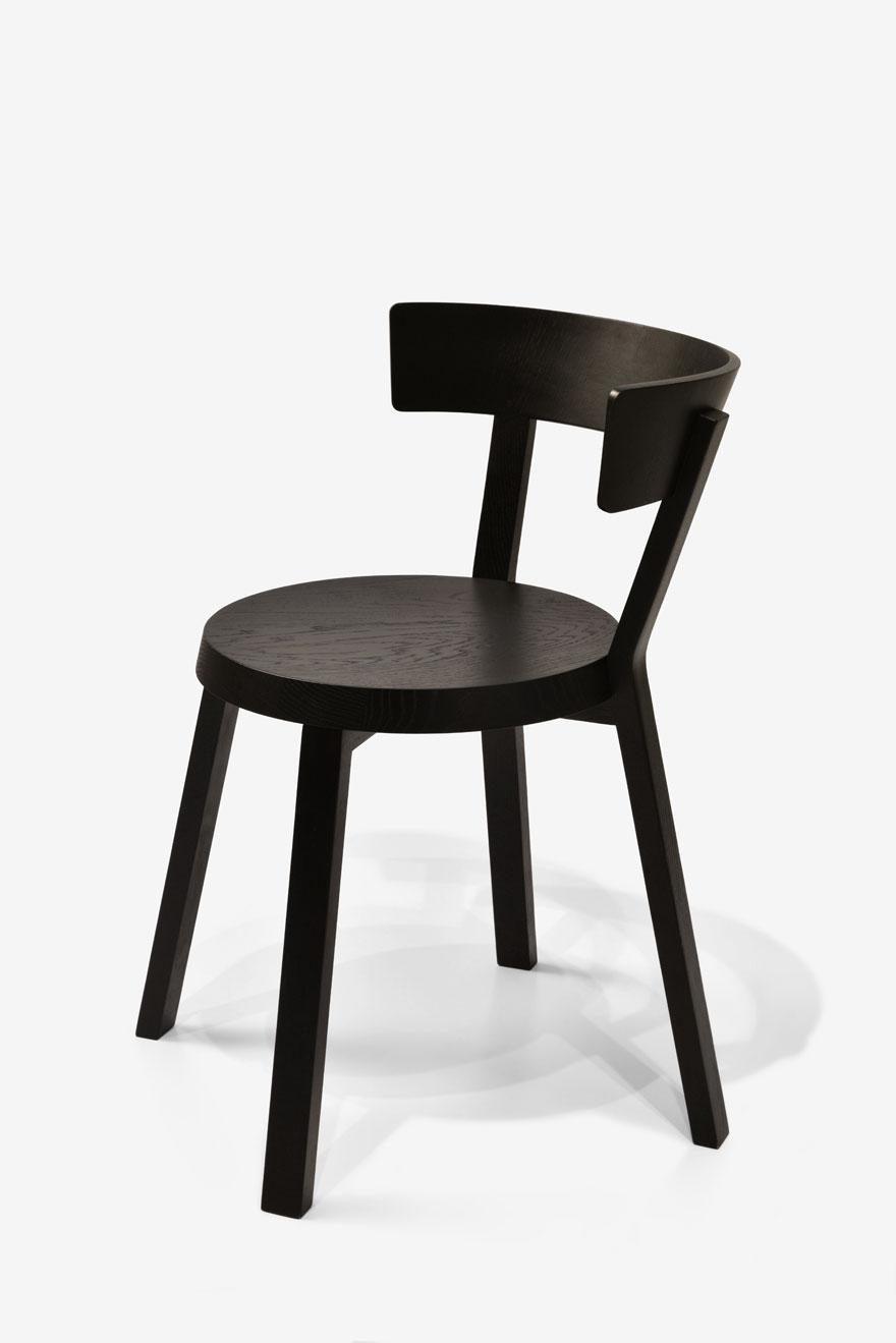 Η καρέκλα Monarchy για την Objekten