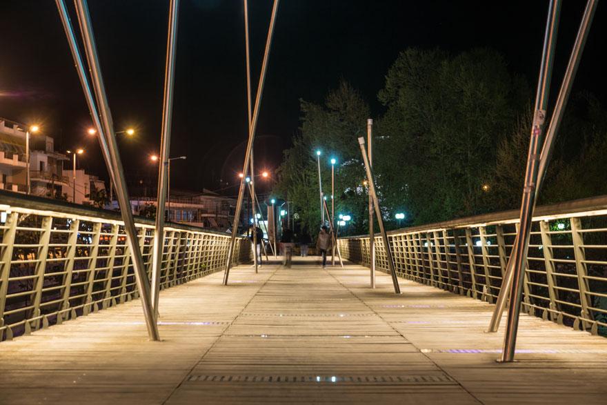Πεζογέφυρα στον Πηνειό