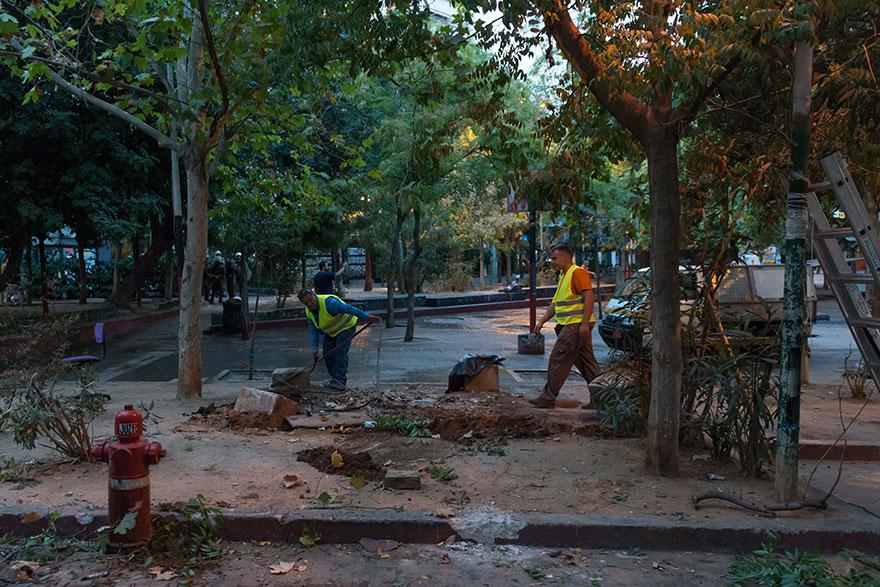 Καθαρισμός της πλατείας Εξαρχείων κι απομάκρυνση του «ΚΕΠ» των αντιεξουσιαστών