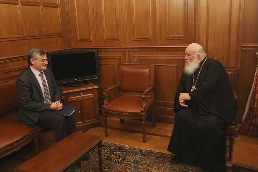 Ο Σωτήρης Τσιόδρας συναντήθηκε με τον Αρχιεπίσκοπο Ιερώνυμο για να τον ενημερώσει για την εξάπλωση του κορωνοϊού στην Ελλάδα