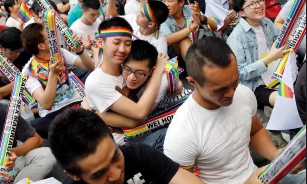 Ασιατικές κλαμπ σεξ