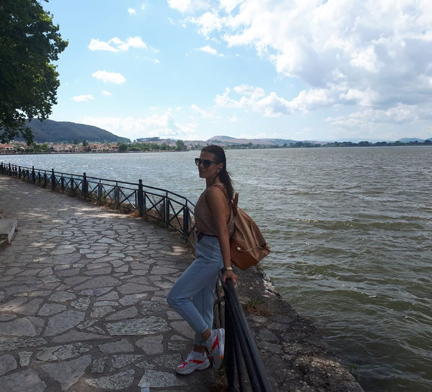 Κάθε επισκέπτης που σέβεται τον εαυτό του έχει μια τέτοια φωτογραφία από τη Λίμνη των Ιωαννίνων, εγώ δεν θα είχα;