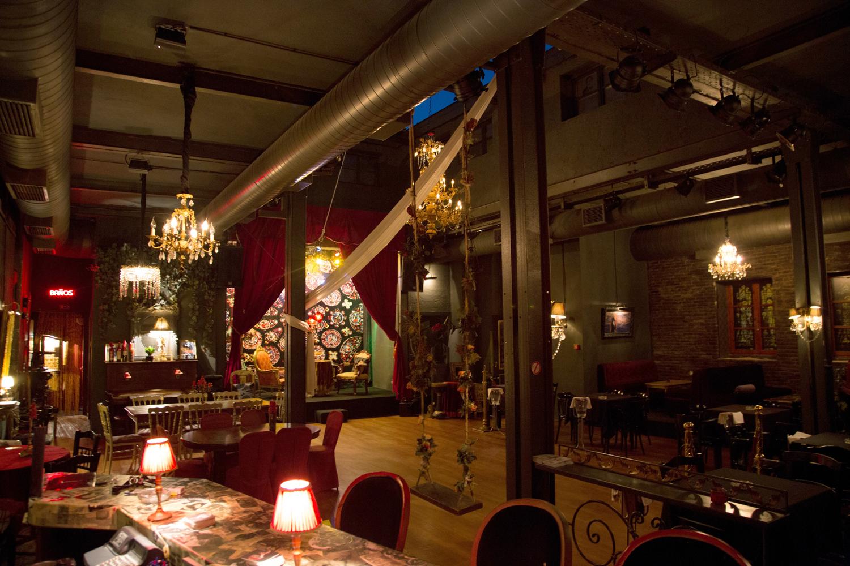 ραντεβού για Εστιατόρια για: φαϊσαλμπάντ Φλίπερ που χρονολογείται